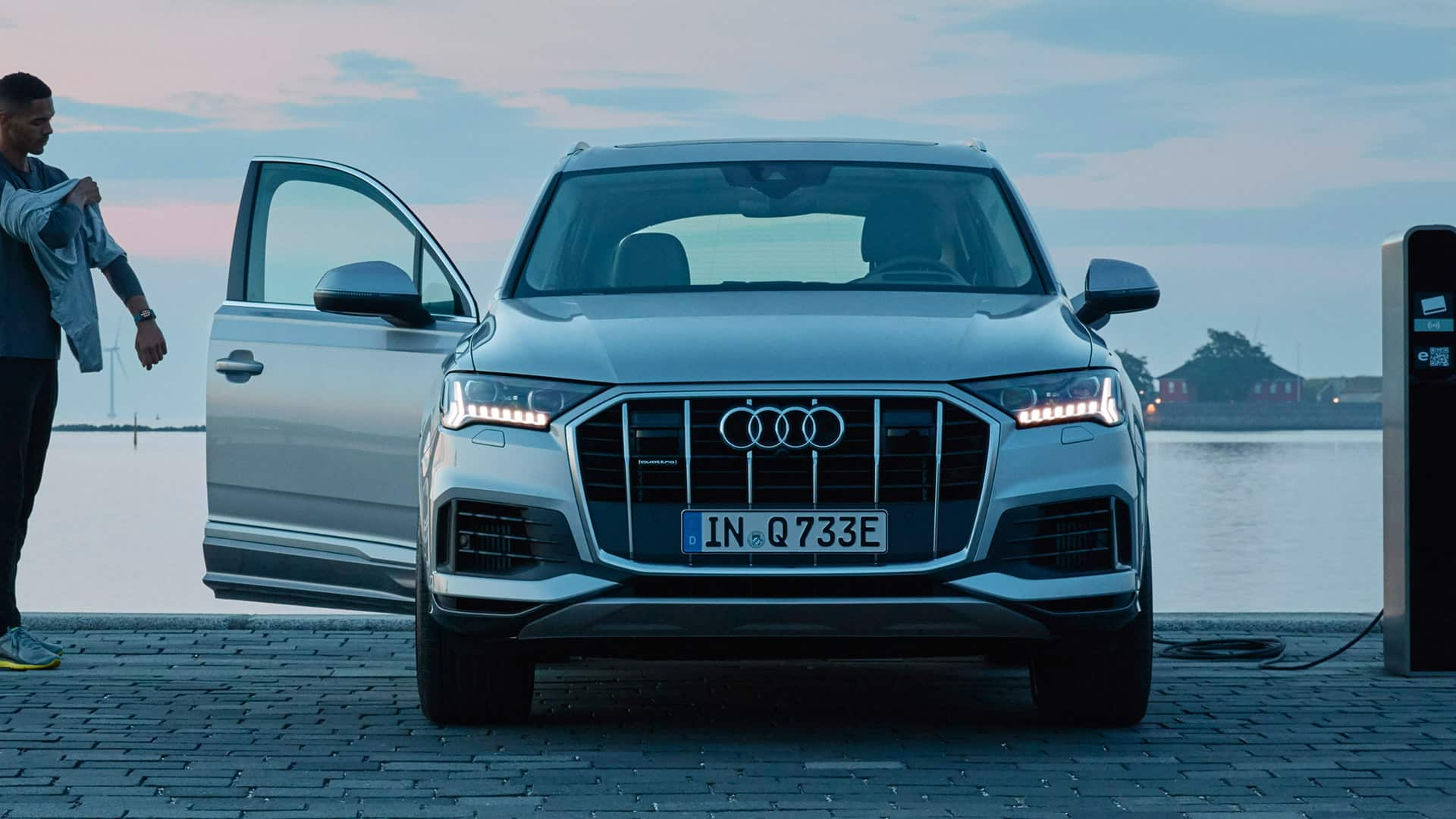 Review 2019 Audi Q7 Length And Images Feels Free To Follow Us Di 2020